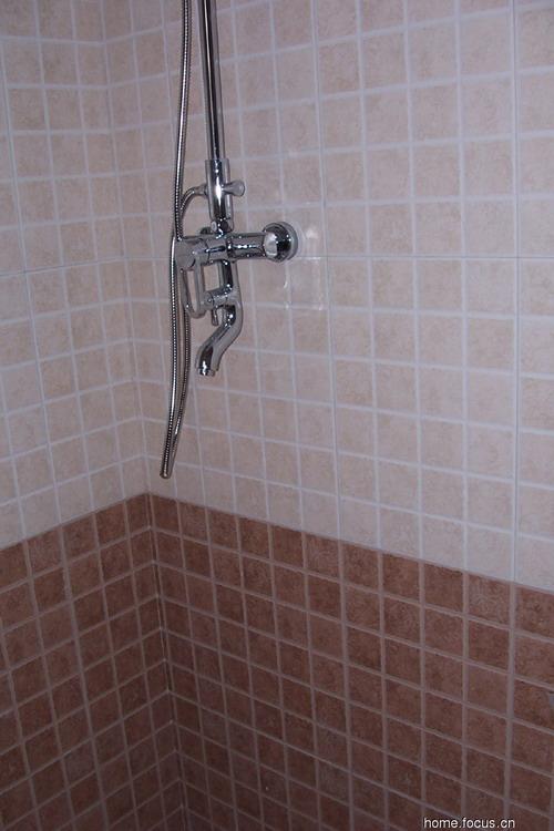 卫浴空间小配件展示 卫浴装修效果图 卫浴门店装修效果图 卫